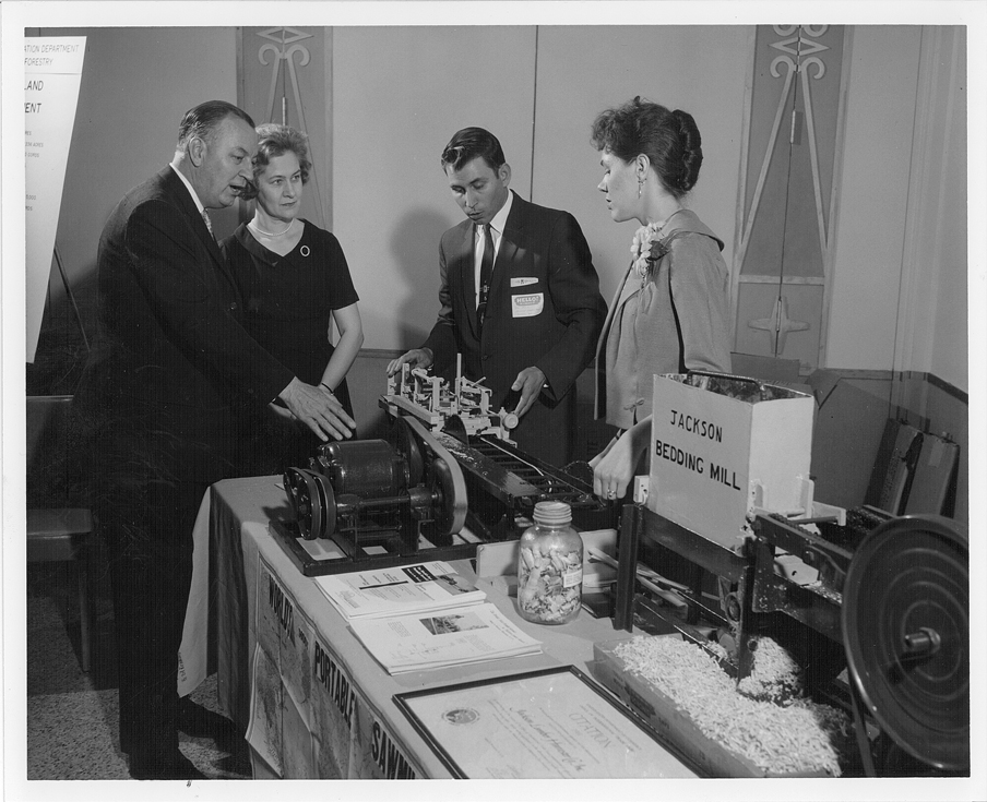 Demonstration to Gov. and Mrs. Elmer Anderson 1962-May-04